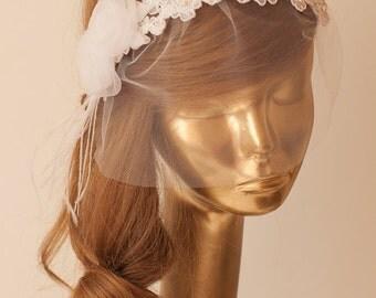 Ivory Lace BIRDCAGE Tulle VEIL, Vintage Style Birdcage Veil. Bridal FASCINATOR.