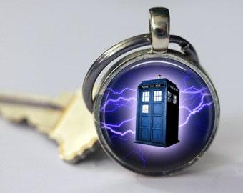 Tardis in Lightening - Dr. Who Keychain - 25mm Round
