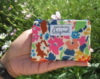 Blue Floral Change Wallet, Bloomsbury Blue Small Coin Purse, Change Purse, Small Flower Wallet, Fabric Pouch, Coin Wallet, Zipper Pouch