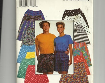 Simplicity Misses' , Men's or Teen Boys and Girls' Shorts Pattern 0653