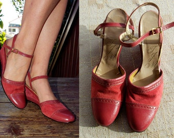 ROSE Petal 1960's 70's Vintage Pink Suede Leather Spectator Wedge High Heels size 9 N // by TJM