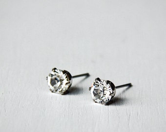 Timeless CLEAR Swarovski Crystal Diamond Cut Stud Earrings 6mm. Nickel Free Earrings. Simple Everyday Earrings.