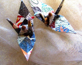 Salman Rushdie Peace Crane Bird Wedding Cake Topper Party Favor Origami Christmas Ornament Bibliophile Library Book Calligraphy Table Decor