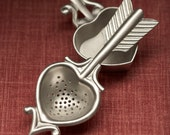 heart tea strainer with rest - hand cast pewter - beehivekitchenware