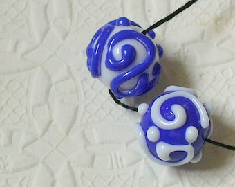 Lampwork Glass Beads Handmade by Catalina Glass SRA    Earring Pair Blue and White