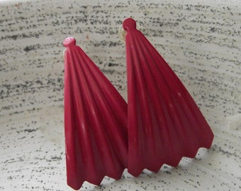Vintage Hot Pink Scallop Shell Post Earrings