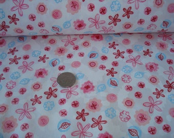 NEW Pretty  floral on soft cream  cotton jersey knit fabric 1 yard
