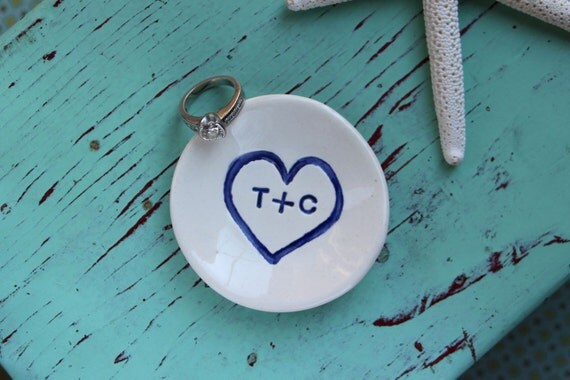 Engagement Ring Dish with Heart and Initials, Heart Design on Engagement Ring Dish, Personalized Mini Ceramic Dish with Heart and Initials