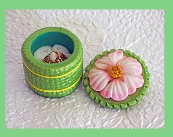Ring Jewelry Keepsake Gift Box Flower Lime Green