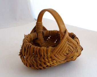 Amish-style Basket - egg/potato basket 4 inch