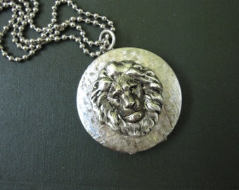 Lion Locket Necklace, Animal Jewelry, Silver Lion Head, Silver Locket, Photo Locket, Jungle Animal, Lion's Mane, Vintage Locket, Zoo Animal