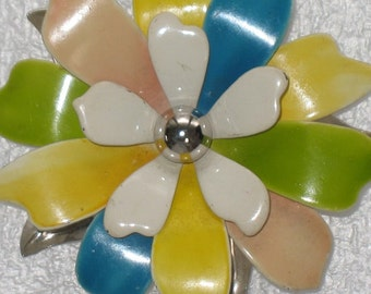 Kawaii Cheerful Petals Pin Brooch