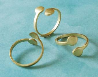 3 Brass Adjustable 2mm Plain Band Rings with Two 6mm Pads for Small Flat Back Cabs or Stones
