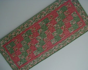 Quilted Table Runner - Five Patch (EDTRM)