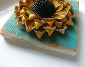 Recycled Barn Wood and Recycled Vintage Zipper Flower Tile