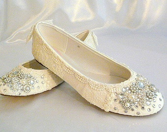 Wedding Ballet Flats ... Vintage Lace Bridal Shoes .Twinkle Toes Wedding Shoes . Swarovski crystals and pearl embellishments...Vintage Bride
