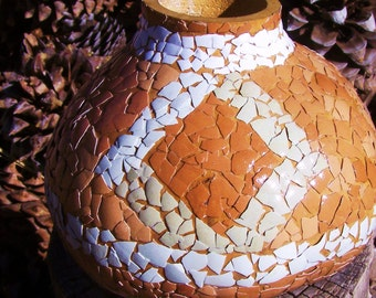 Gourd eggshell decoration Southwestern style natural shell color diamond design