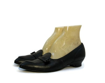 50s 60s Shoes Vintage Black Leather Wedge Heel Loafers 9