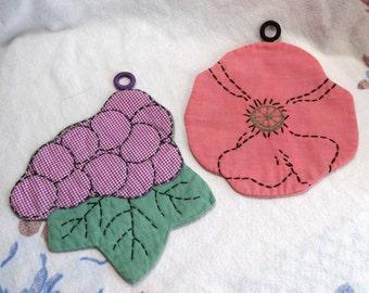 SALE Vintage Embroidered Potholders, Pink Flower & Grapes Cottage Chic Retro Kitchen