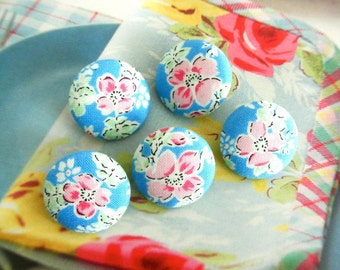 Shabby Blue Red Pink Flower Floral Fabric Covered Button, Blue Red Flower Fridge Magnets, Flat Back Button, 1 Inch 5's