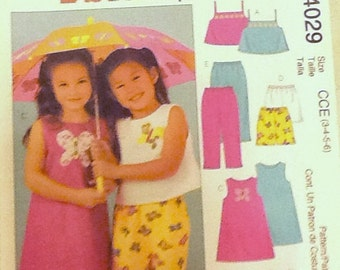 Sewing pattern, Girls Summer Outfit, top, shorts, midriff top, Size 3-6
