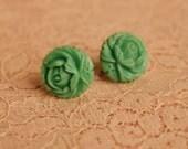 Vintage 1940's Carved Bakelite Green Flower Button Earrings Screw Back