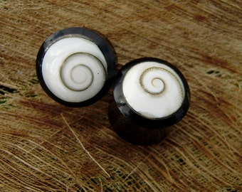 Fake Gauge Earrings - Organic Black Horn with shell ,Tribal style ,Hand Carved,naturally,fake piercings