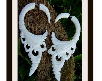 Fake gauge Earrings, Bone ,Split Gauge Earrings ,Hand Craved ,tribal style.cheater,naturally,fak piering