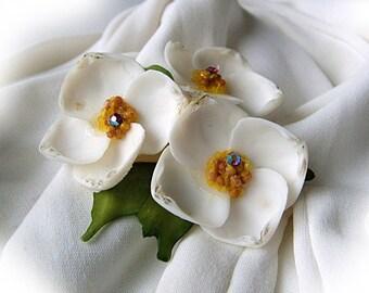1960s White Sea Shell Pin, Flowers Rhinestones, beach craft handmade costume jewelry