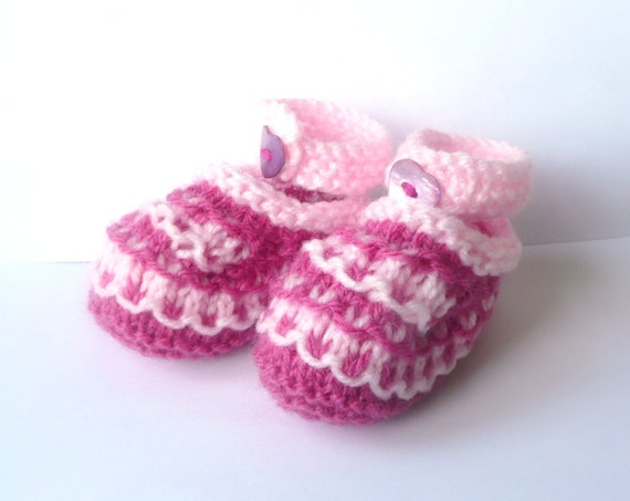 Knitting PATTERN Baby BOOTIES - Lovely Loopy Baby Shoes - Instant DOWNLOAD