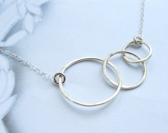 Triple circles necklace, three connected rings, geometric pendant necklace, new mom gift, Mothers day gift Minimal everyday necklace