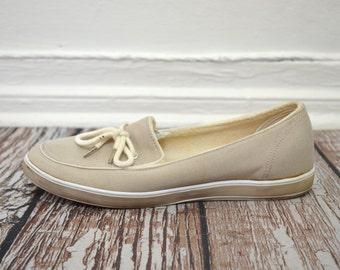 20 DOLLAR SUPER SALE! Womens Boat Shoes 8 1/2 - Tan Flats  - Women Loafers
