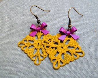 Yellow Lace Rectangle and Magenta Ribbon Earrings