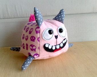 Momo mochi skull cat