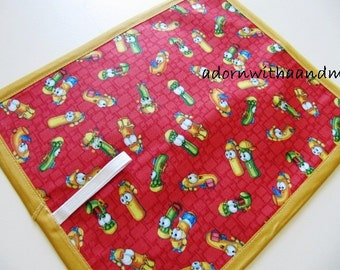 Chalkimamy TRAVEL chalkboard mat/ placemat made with Veggie Tales fabric (a)