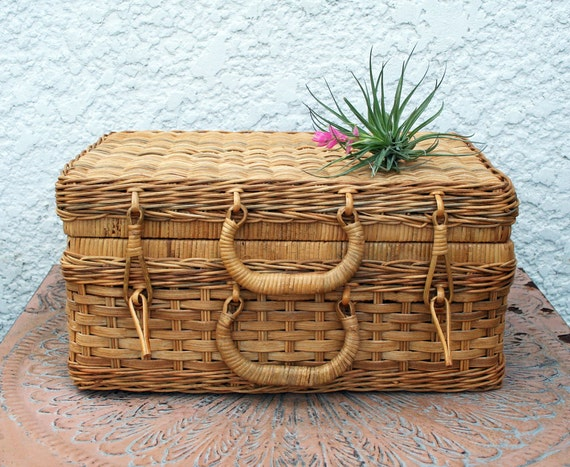 Woven Basket With Hinged Lid : Wicker storage basket with hinged lid diamond chevron design