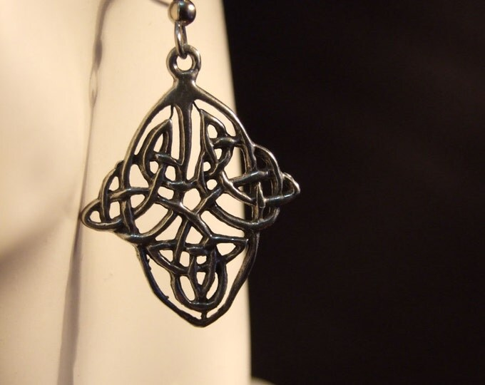 Celtic knot pattern earrings made with Australian Pewter and Surgical Steel hook R369