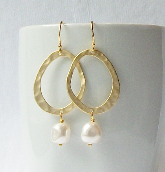 LAST ONE Pearl Gold Hammered Dangle Earrings