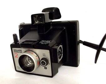Vintage Polaroid Square Shooter 2 - Black swinger style handle camera