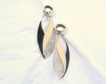 Long Black Cream Earrings Vintage Silvertone Filigree Enamel Signed Berebi