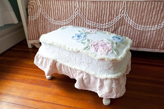 Footstool Chenille Bedspread Shabby Chic Wthie Pink Roses
