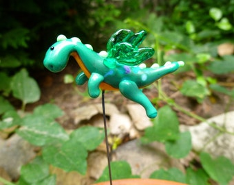 Fairy garden flying dragon in green, small accessory for fairy garden made to order