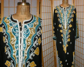 Vintage 60s floral embroidered kaftan / robe womens size large