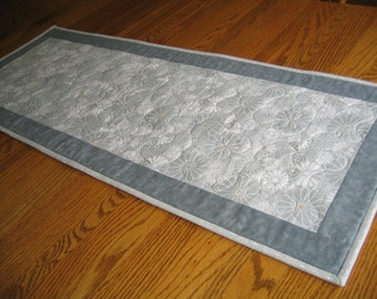 Quilted Table Runner with Grey Daisies
