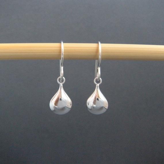 small silver teardrop earrings. simple silver by ...