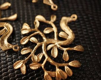 Supplies Sale - High Quality Solid Brass 3D 18K Matte Finished Gold Branch Cluster Charm Pendants - 1 piece