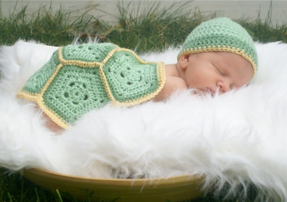 Crochet Newborn Outfits : Baby turtle crochet outfit..newborn set... photography... Baby boys ...