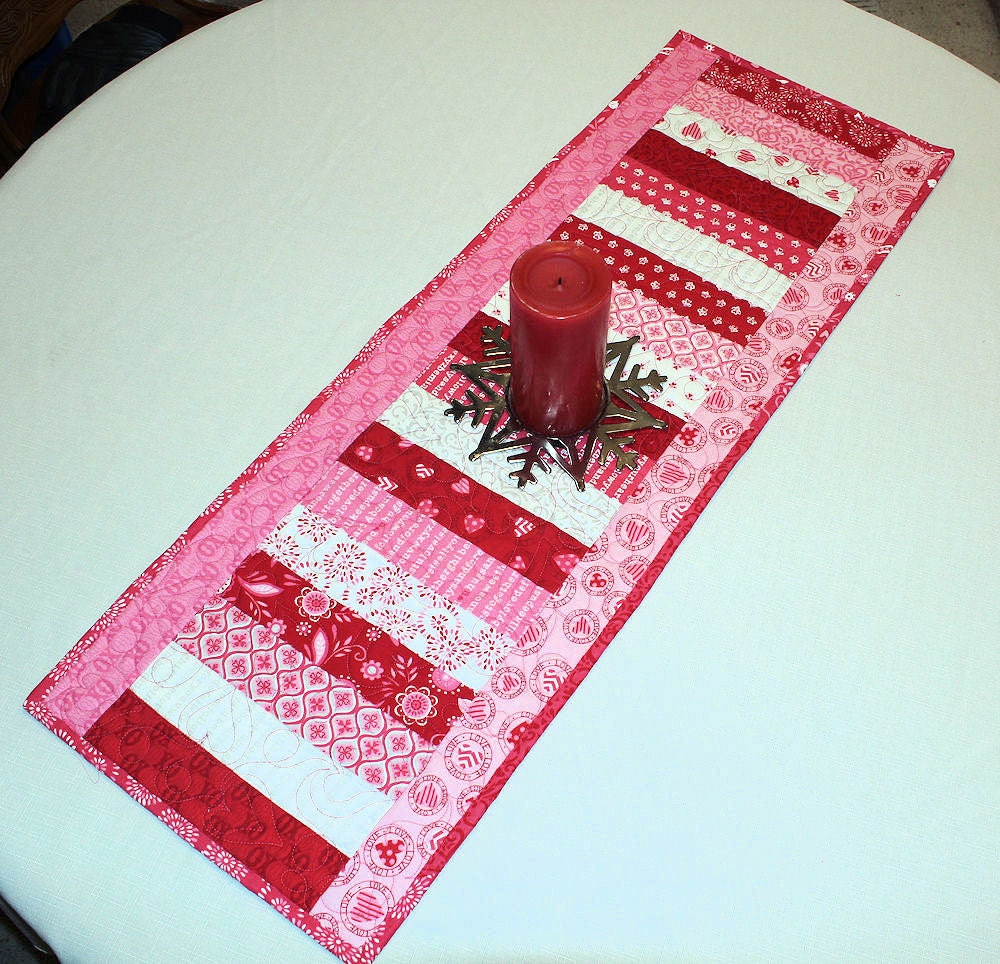 Valentines Day Table Runner Quilt Surrounded By Love Moda