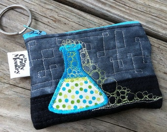 Lab accident quilted zipper bag - Bubbling over Erlenmeyer flask on grey