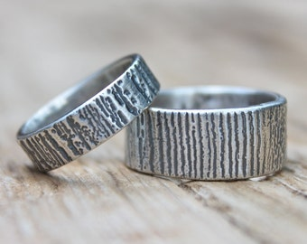 recycled silver wedding band set . engraved you and me rings bands . recycled silver woodgrain bark bois wedding ring set by peacesofindigo